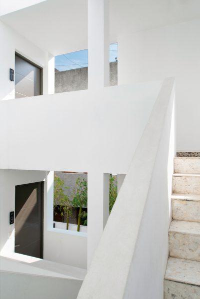 Escaleras edificio tecnicos