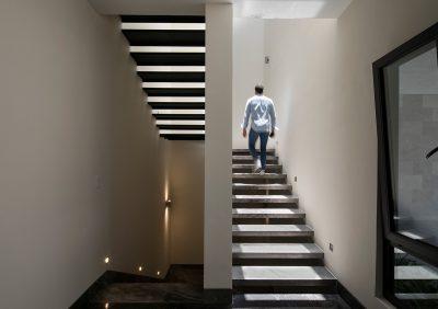 Escaleras casa privanzas